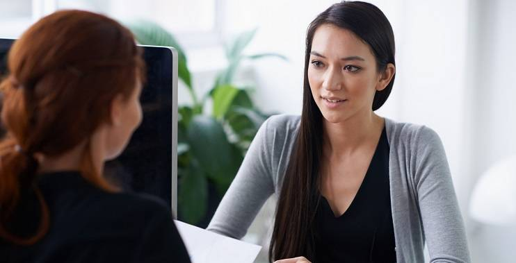 Recruiter Tips: female recruiter interviewing a female candidate