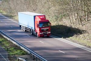 Free CPC Training HGV Truck on dual carriage way